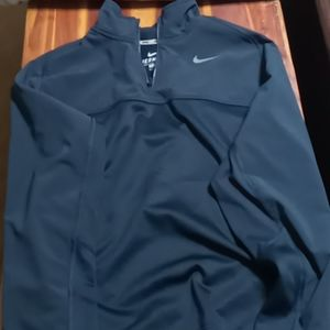 Nike therma fit nwot